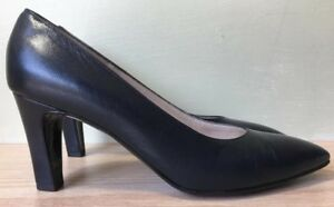 Bruno-Magli-Italian-Classic-Navy-Leather-Pumps-Women-039-s-Size-6-5-AA-Excellent