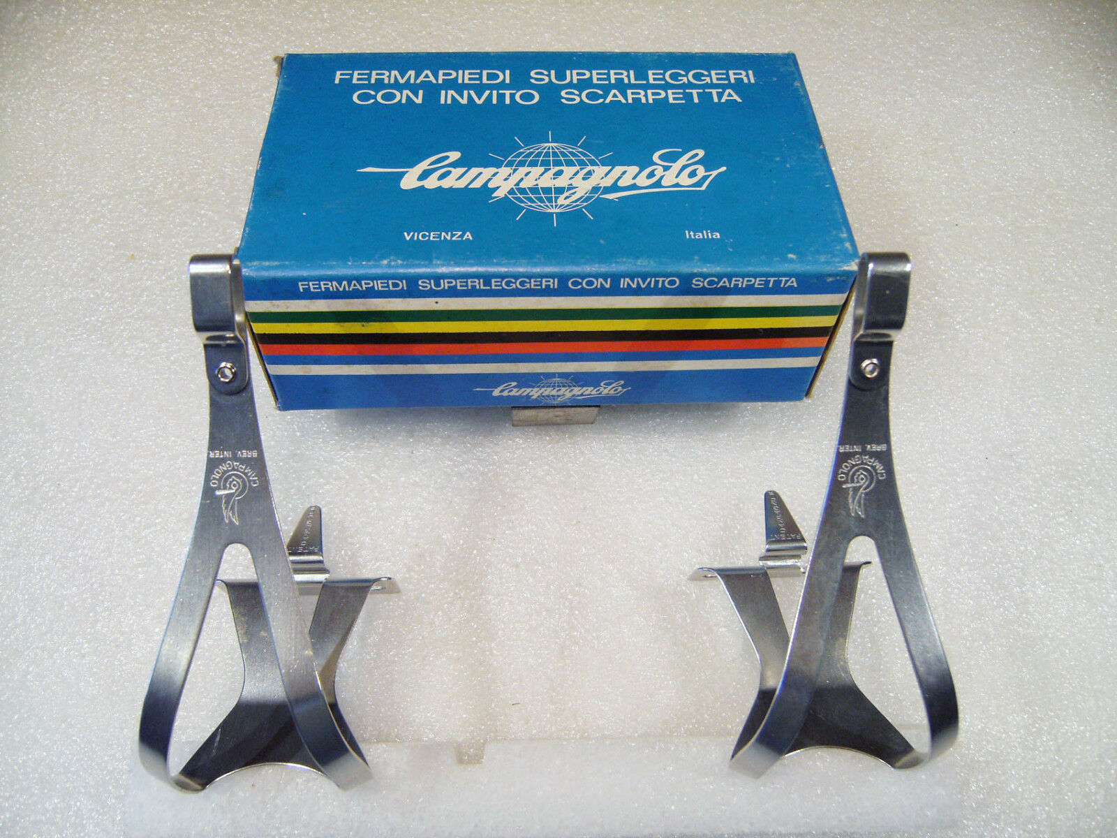 Vintage NOS CAMPAGNOLO SUPER  RECORD TOECLIPS , size M, Mint & Boxed  the lowest price