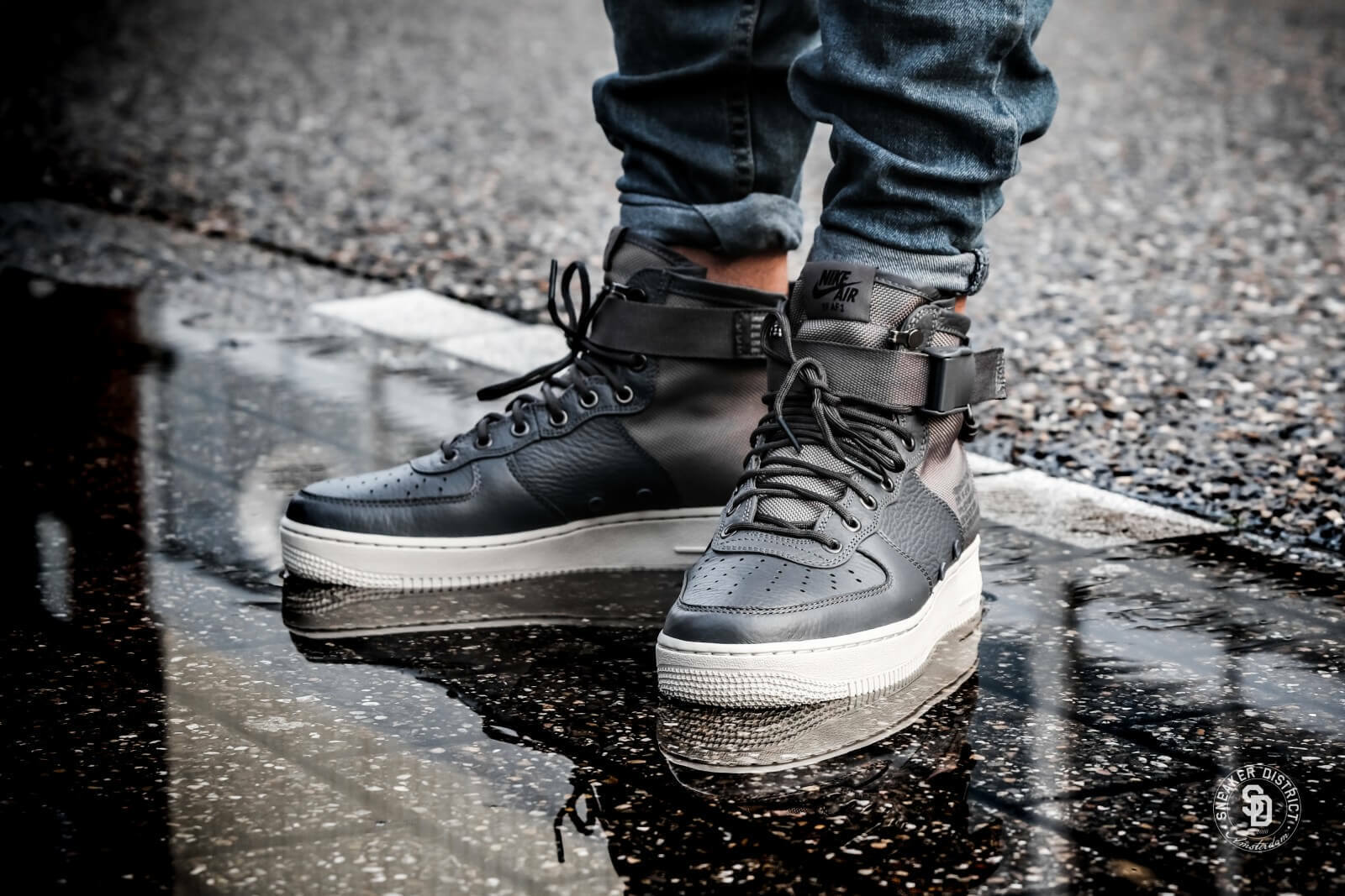 Nike Special Field SF Air Force 1 Mid Dark Grey Mens Trainers Boots UK 13