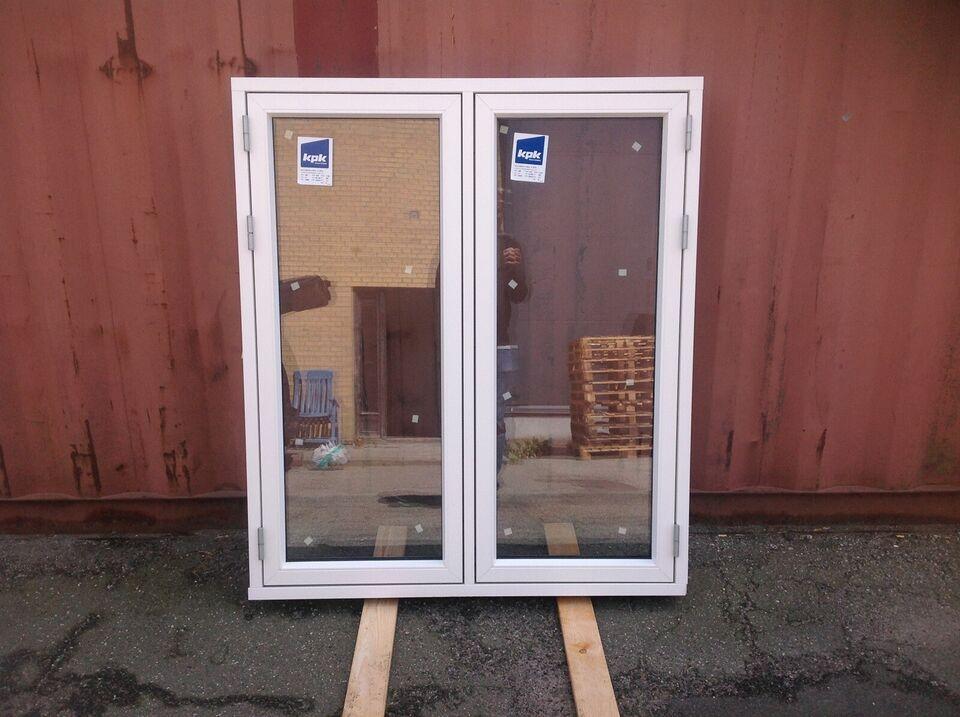 Andet vindue, træ, b: 1200 h: 1380