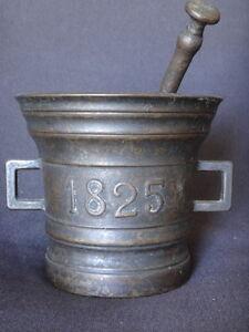 Ancien-mortier-en-bronze-pilon-date-1825-Antique-mortar-XIXeme