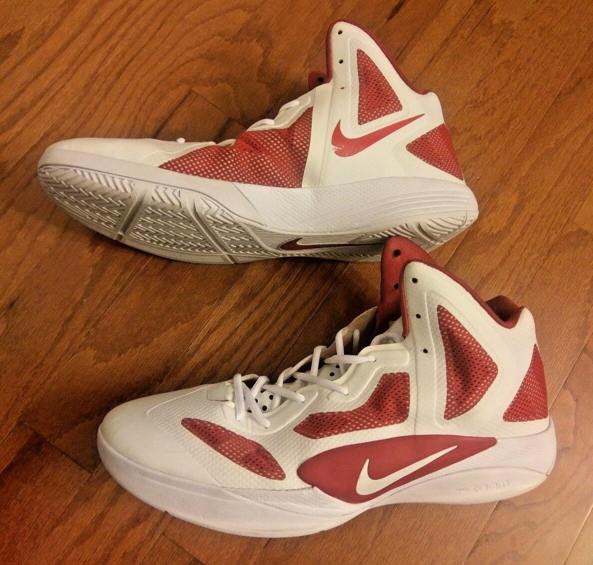 NIKE HYPERFUSE – WHITE   RED – SIZE 18 – BASKETBALL SHOES