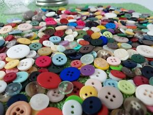 Vintage-BUTTONS-Art-Craft-Lot-mixed-colors-amp-sizes-Collection-pint-jar-full
