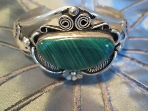 BEAUTIFUL-STERLING-SILVER-MEXICAN-INDIAN-CUFF-WITH-MALACHITE-STONE