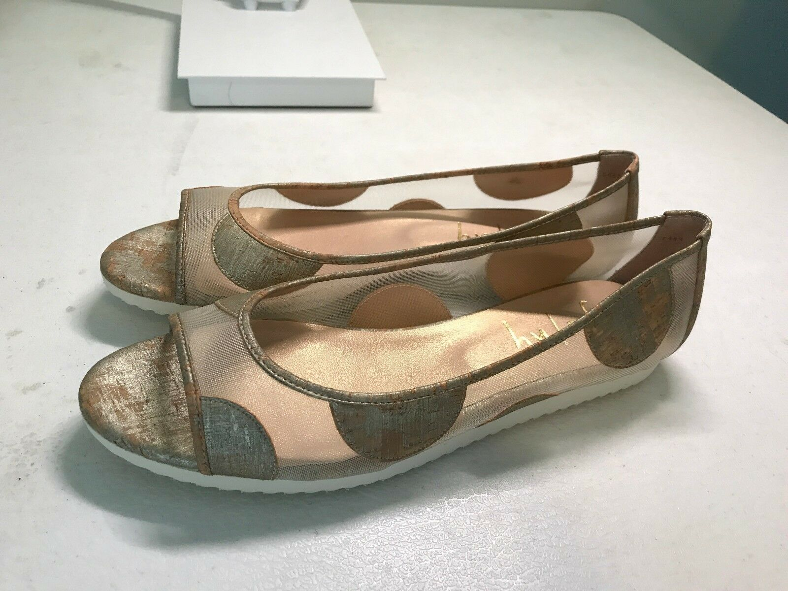 NEVER WORN fs ny gold Mesh Sandals - Size 9.5B