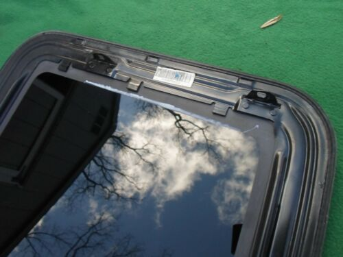 2009 MERCURY MILAN YEAR SPECIFIC OEM FACTORY SUNROOF GLASS FREE SHIPPING!
