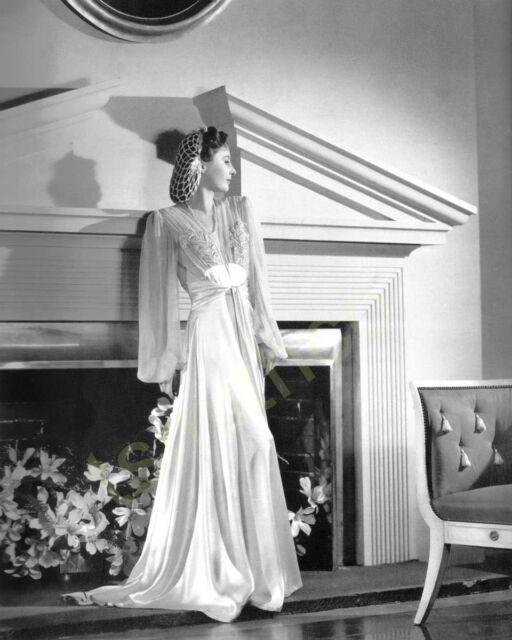 Barbara Stanwyck 8x10 Photo 028