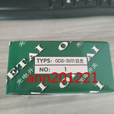 ONE NEW OETAI color sensors GDS-3011 GDS3011 White