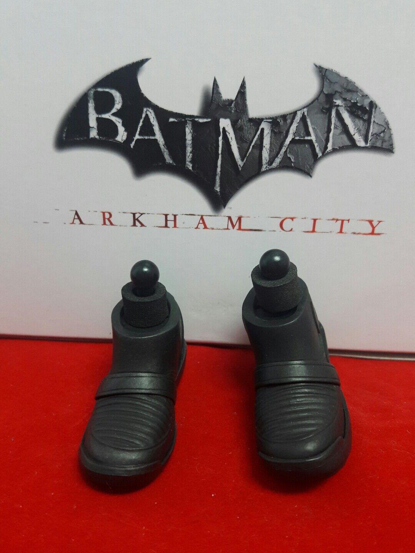 1 6 Hot Toys Arkham City Batman VGM18 Pair of Dark Grey Boots + Pegs US Seller