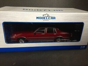 Chevrolet-Caprice-Classic-burdeos-1985-microg-Model-car-group-rojo-mcg18040-OVP-1-18