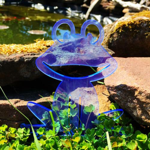 Happy FrogGLOWING GARDEN DECORATIONfluorescent garden stake SunCatcher