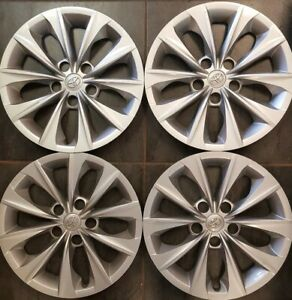 A-SET-OF-TOYOTA-CAMRY-2015-2018-HUBCAPS-WHEEL-RIM-COVERS-16-034-P-N-4260206070