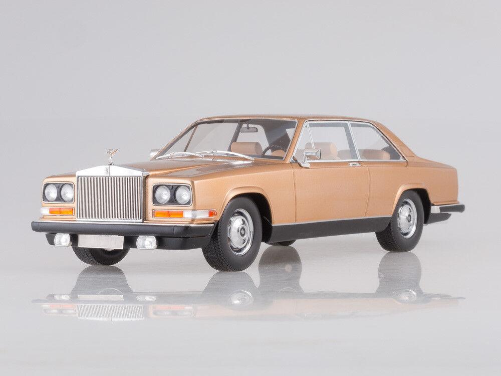 Escala modelo 1:18 Rolls Royce Camargue, Oro, 1975