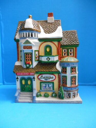 Details about  /1999 Lemax Caddington Village Conover/'s Lamps Christmas Train Lamp Shop Store