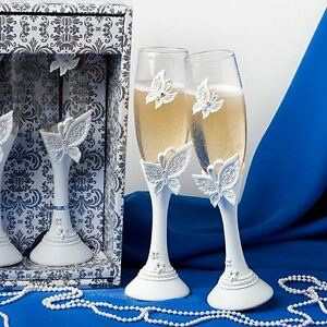 Pair of Butterfly Toasting Wedding Party Wine Champagne Flutes Glasses