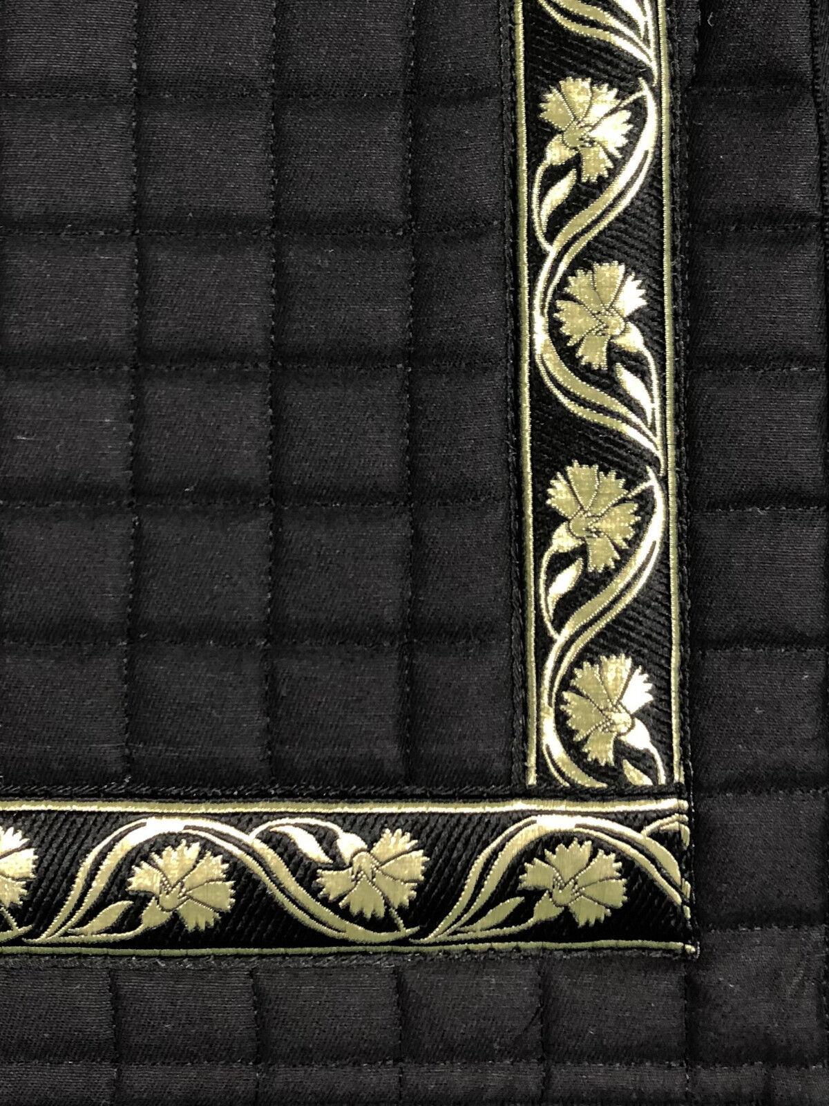 Barock Dressur Schabracke Schabracke Schabracke Schwarz mit Borte Gold Lammfell möglich 57 cm lang 63bb19