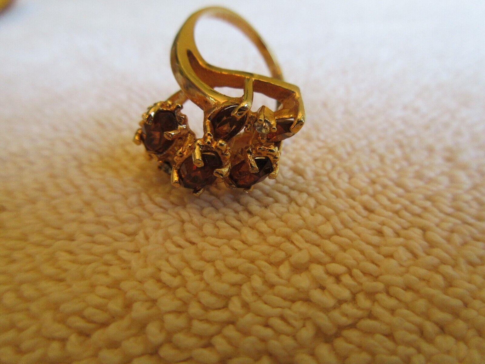 Ladies Ring , 18K Gold , Brn/Red Stones
