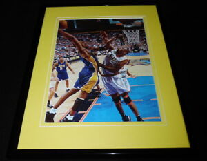 Kobe-Bryant-vs-Dikembe-Mutombo-2001-Finals-Framed-11x14-Photo-Display-Lakers