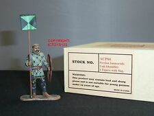 EAST OF INDIA ACP04 PERSIAN IMMORTALS UNIT IDENTIFIER WITH FLAG TOY SOLDIER