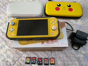 Nintendo-Switch-Lite-Bundle-GAMES-CASES-CHARGER