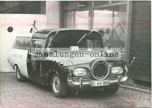 Umbau-Werbefahrzeug-fuer-Fotoladen-Auto-Automobil-Fotografie-Foto-Pressefoto