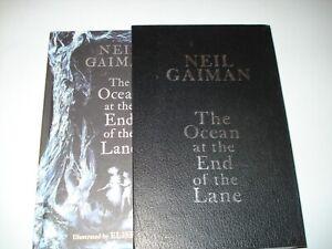 Signed Neil Gaiman Illustrated  Ocean at the end of the lane UK1/1 Slipcase