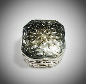 porta-pillole-antico-argento-800-codice-ag