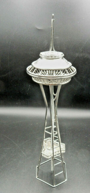 """Seattle's Space Needle Wire Model 13"""" tall 3"""" wide Very good Pre-owned condition"""