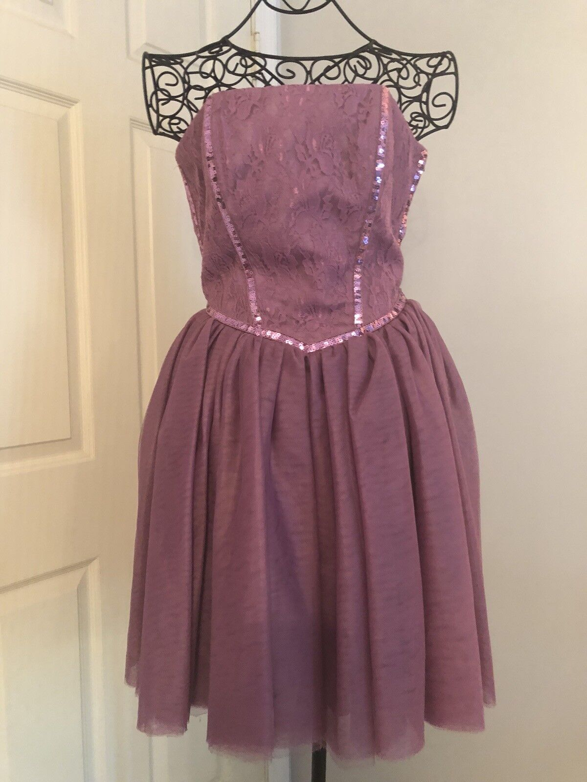 Pre-Owned BETSEY JOHNSON purplec Lace & Sequin Dress Size 6
