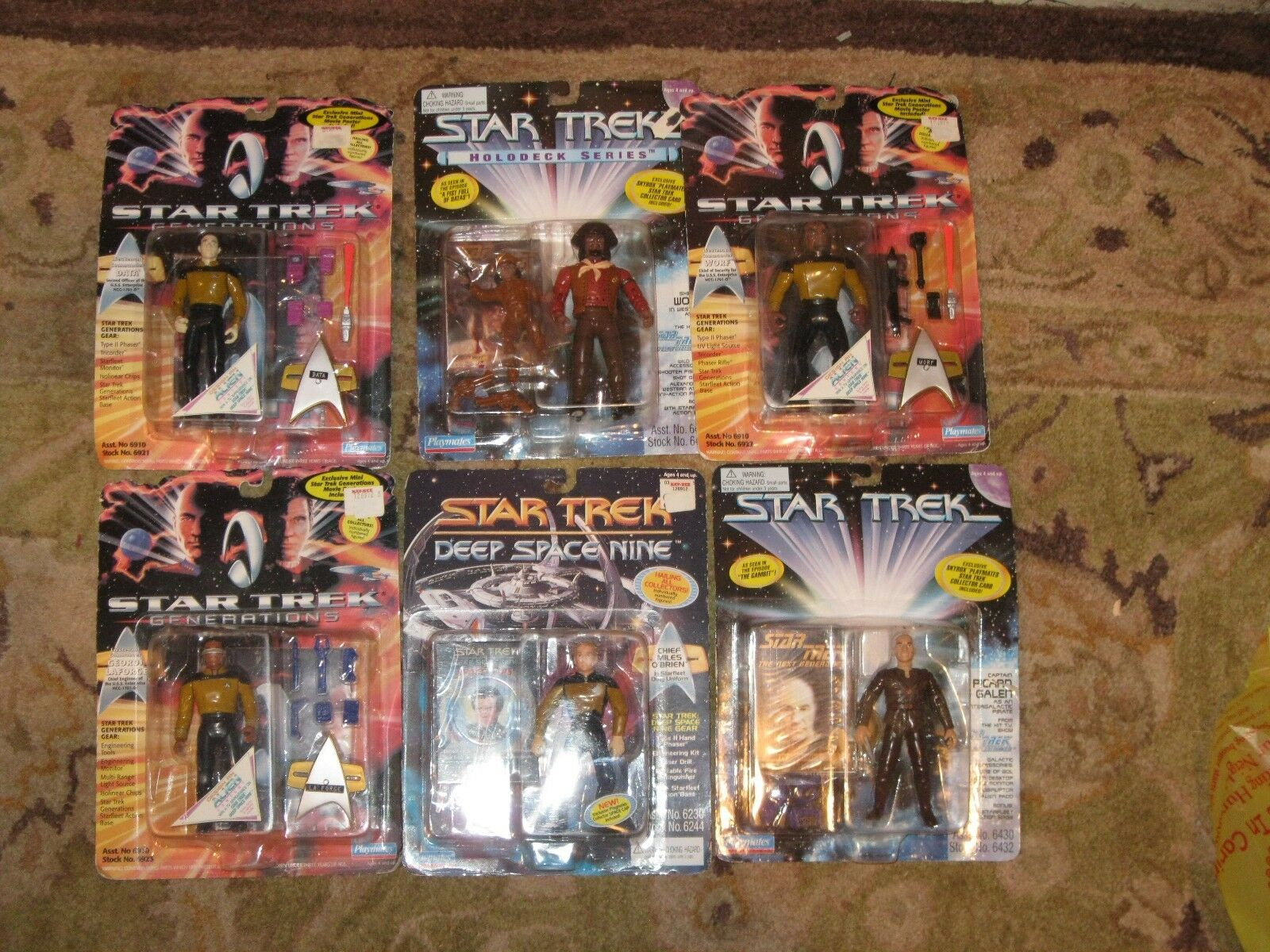 Set of 6 Stern Trek Next Generation Deep Space Nine Figures Piccard Data NEW