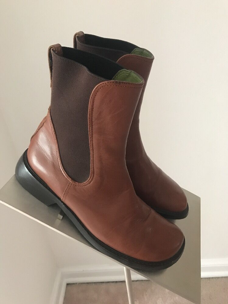 Donald J Pliner Brown Leather Made in Italy Pull On Ankle Boots Sz 7M