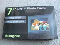 Brand Sungale Ca705 7-inch Digital Photo Frame