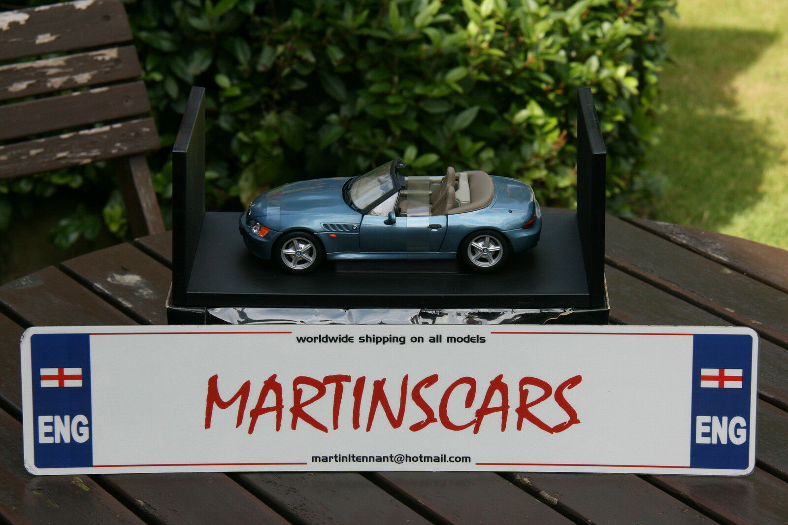 UT MINICHAMPS AUTOART 1 18 BMW Z3 ROADSER MET blueE JAMES BOND goldENEYE 20400