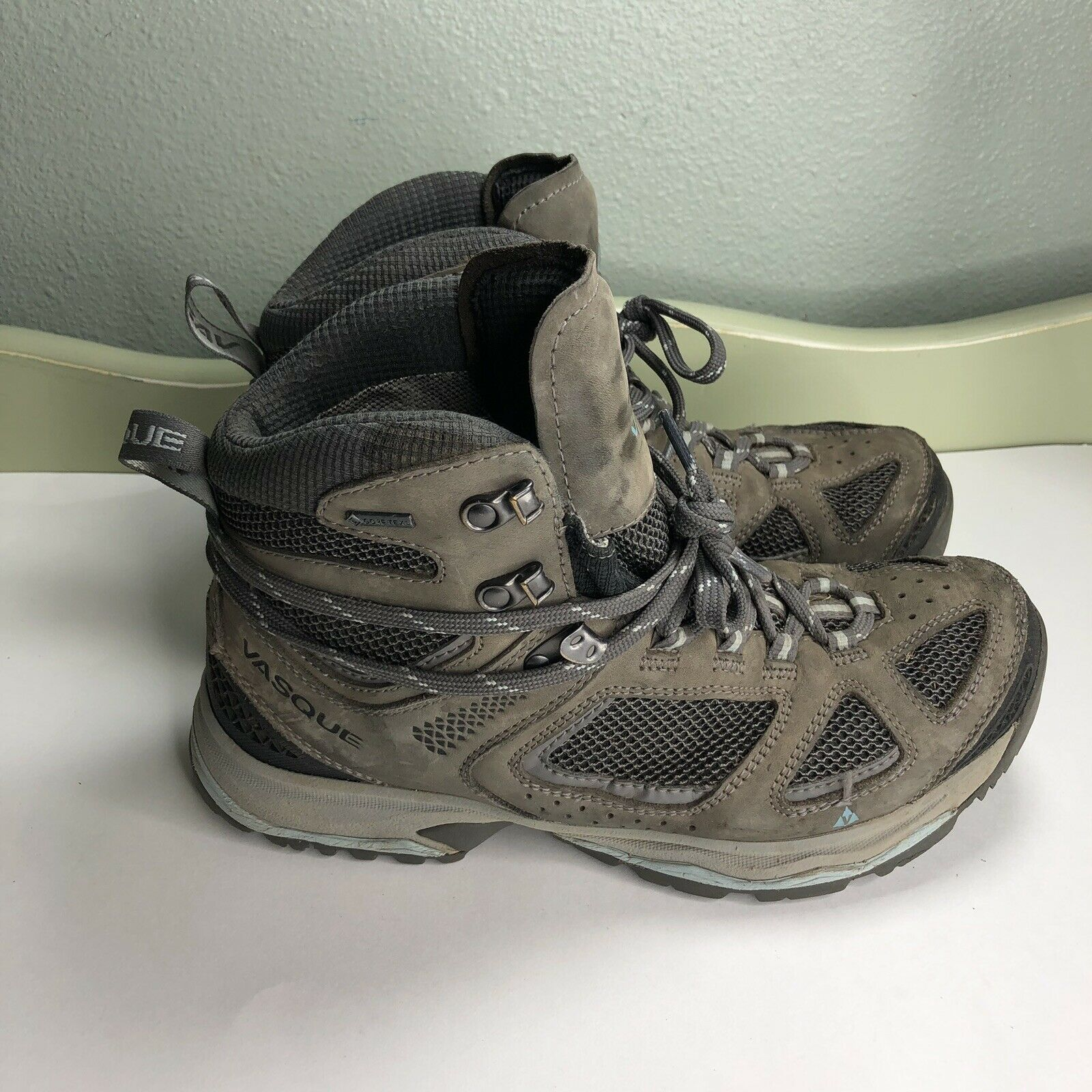 Vasque Hiking  Boots Women Size 9.5 Gore Tex Vibram Soles  fishional store for sale