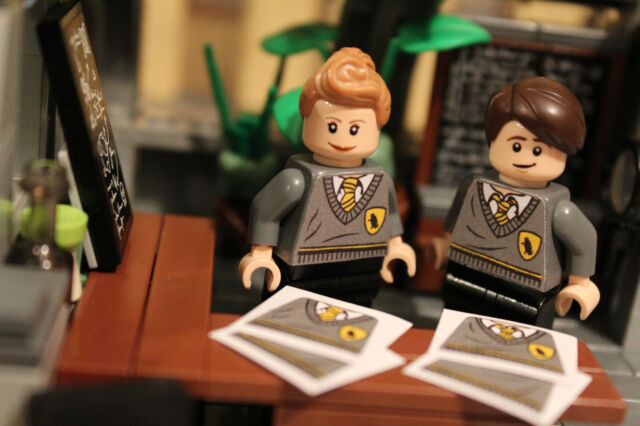 Custom LEGO Harry Potter Hufflepuff Hogwarts Students Minifigure Stickers & Custom Lego Stickers collection on eBay!