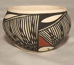 Native-American-Very-Small-Bowl-by-Clara-Fernando-Laguna-Pueblo