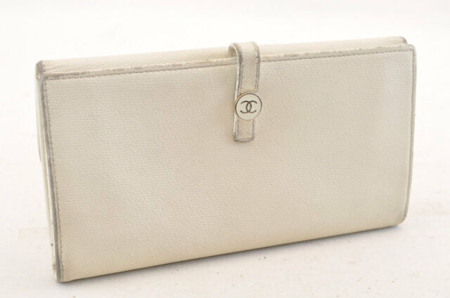 24b62f6b2e51 CHANEL Caviar Skin Leather Long Wallet White CC Auth 4526 | eBay