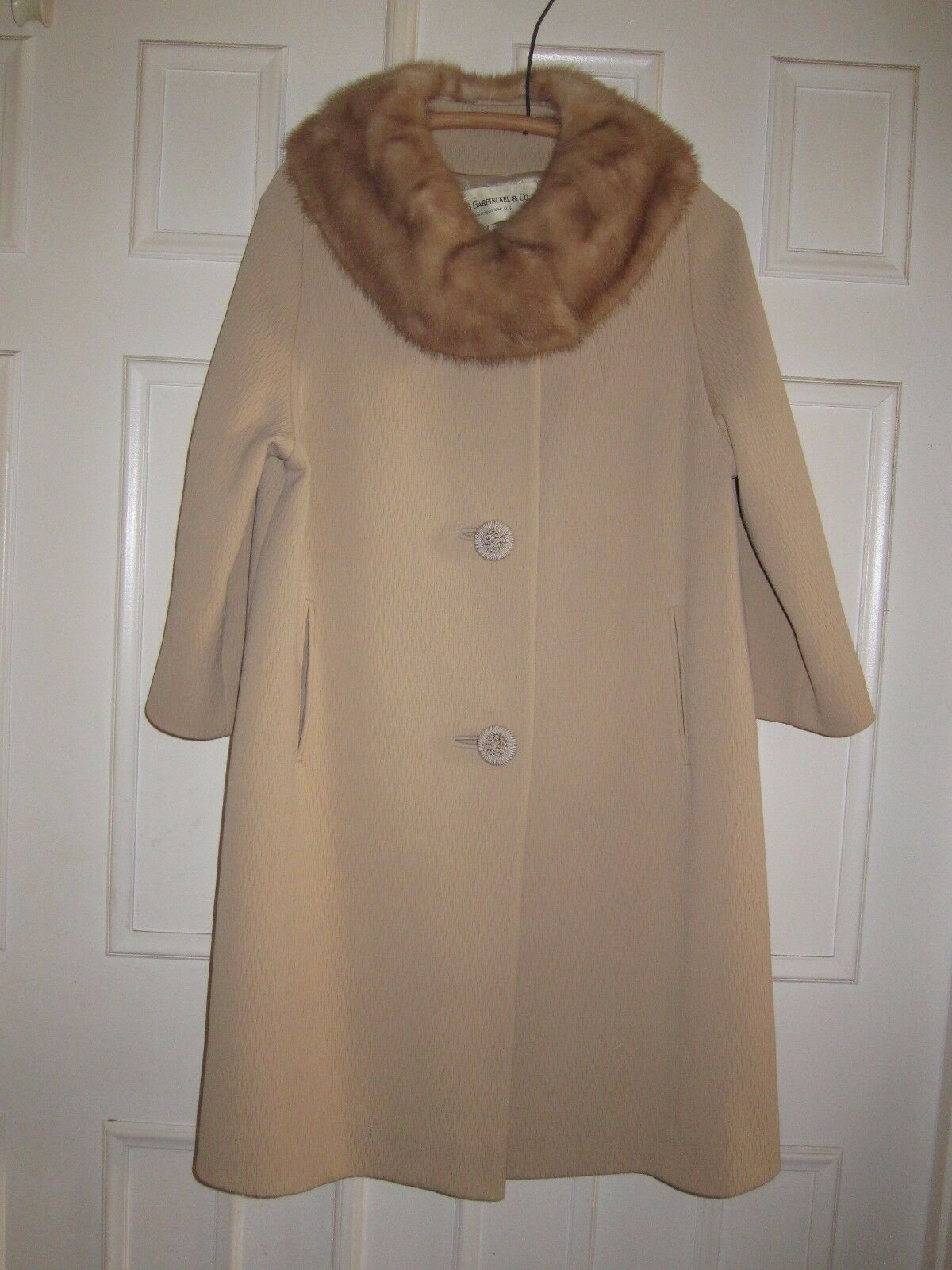 VTG Forstmann Long Women's Tan Textured Coat Fur Collar Fully Lined Sz M (6 8)