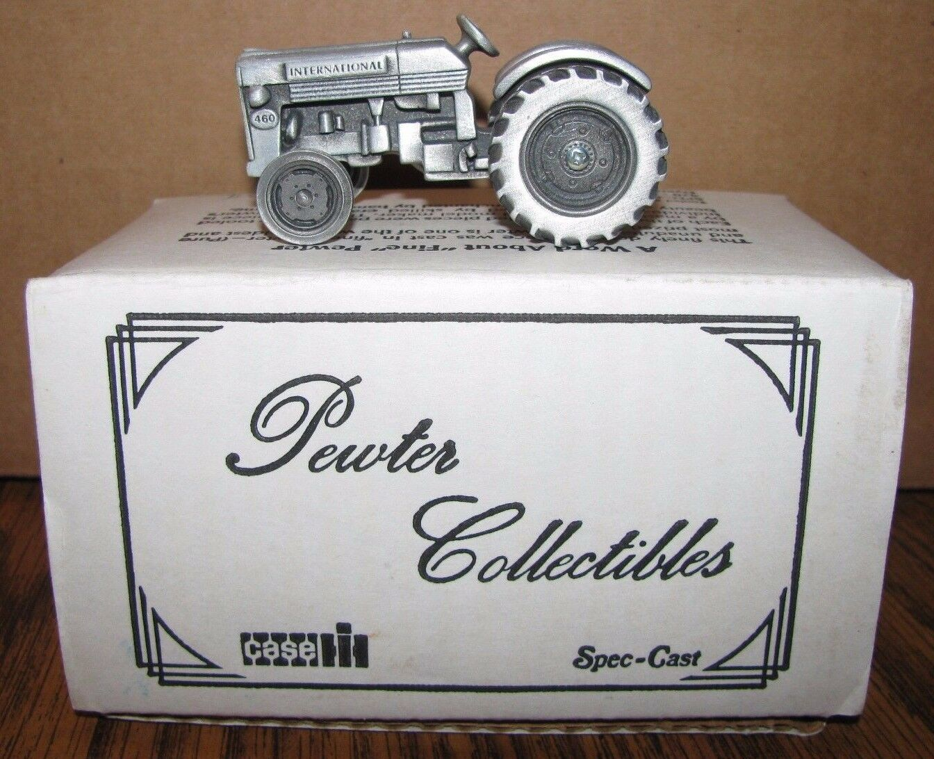 IH International 460 Pewter Utility Tractor 1 43 Spec Cast Toy ZJD34  1990's