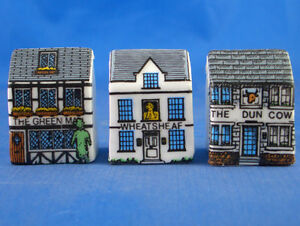 FINE-CHINA-THIMBLES-SET-OF-THREE-MINIATURE-HOUSE-STYLE-VILLAGE-INNS