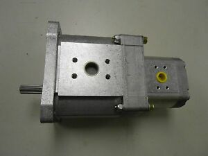 00943578 POCLAIN 220CKNA HYDRAULIC PUMP CASE
