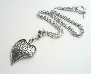 Hammered-Silver-Folky-Heart-Pendant-Necklace-KCJ463