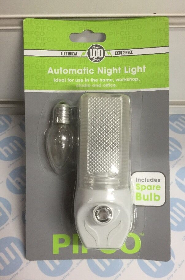 Pifco Automatic Night Light Includes A Spare BulbIdeal For Use In The Home work