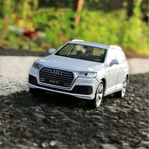 Audi Q7 Model Cars Toys 1:36 Open two doors Collection&Gifts White Alloy Diecast
