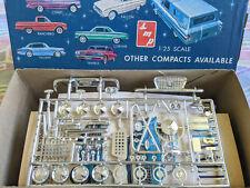 Super Rare Original Smp Amt 1961 Valiant Model Kit Complete Amp Gorgeous