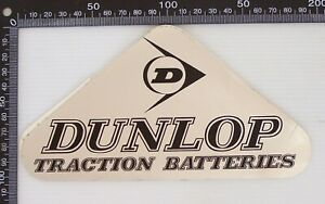 VINTAGE-DUNLOP-TRACTION-BATTERIES-AUSTRALIA-ADVERTISING-SHOP-PROMO-STICKER