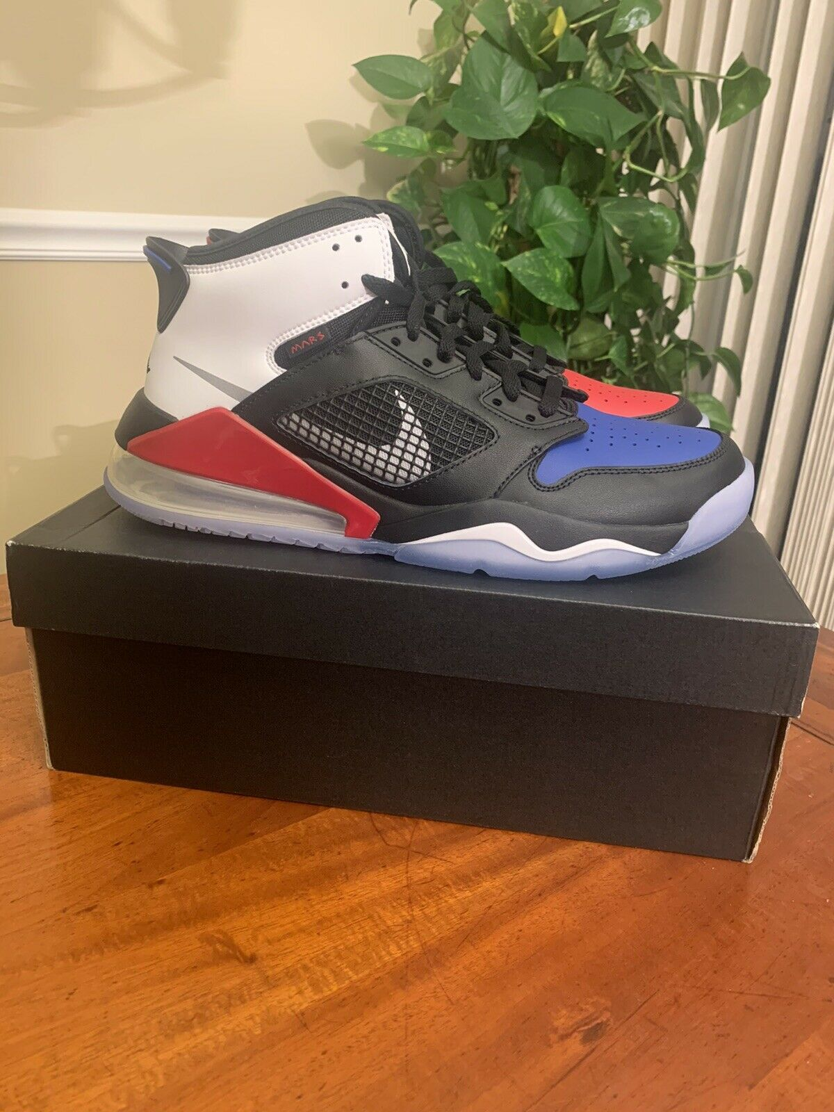 """NEW DS Nike Air Jordan Mars 270 """"Top 3"""" Size 10.5 - Black/Reflect Silver/Gym Red"""