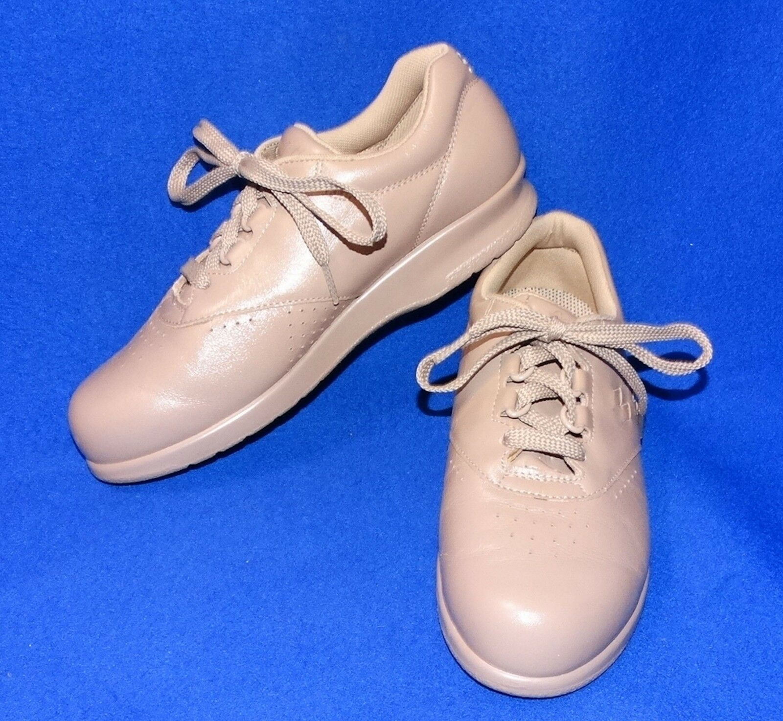 NEAR MINT 5.5 M SAS TAN TAUPE FREE TIME WOMENS COMFORT SHOES