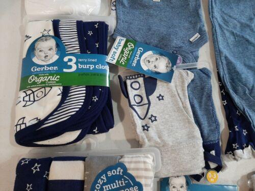 Star Gerber Baby Boy/'s 25 Piece Newborn Baby Shower Gift Set NEW Rocket Space