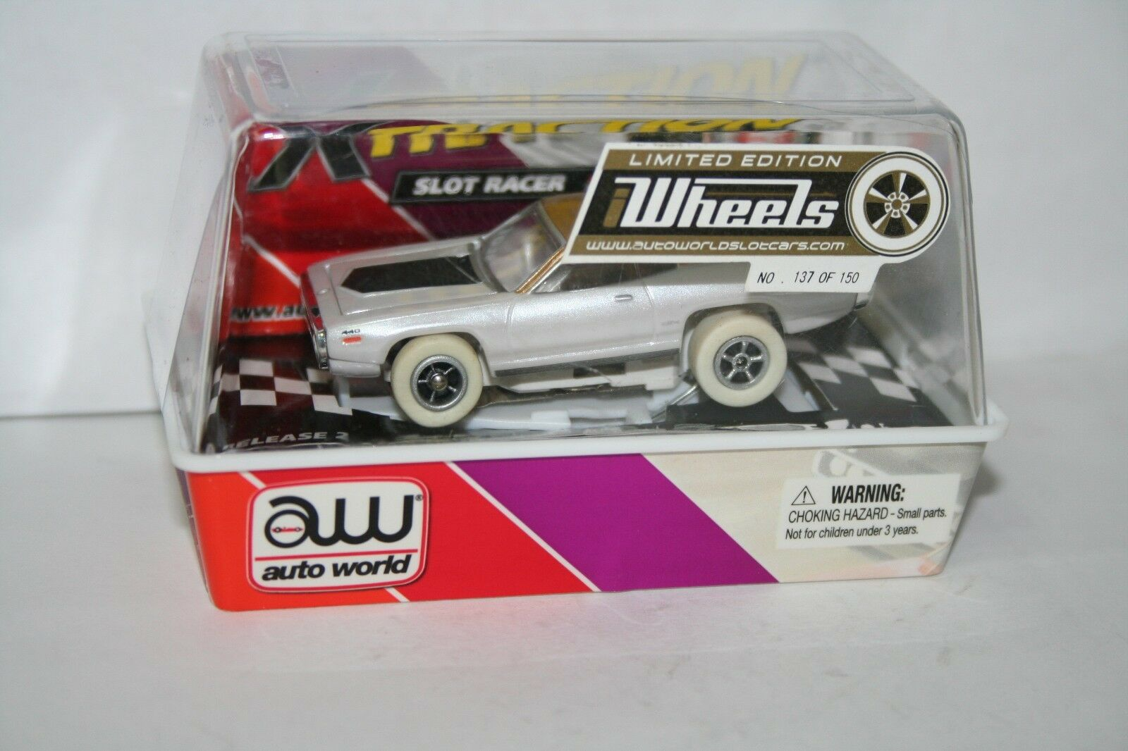 Très rare iwheels  137 de 150 HO ELECTRIC SLOT CAR 71 Plymouth GTX Auto World